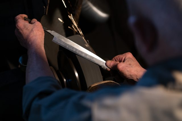 Experience knife sharpening - be wowed by the artisans' workmanship.