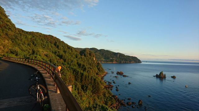 The wild scenery is the appeal of the Japan Sea beaches, which is entirely different from the Ine Bay scenery.