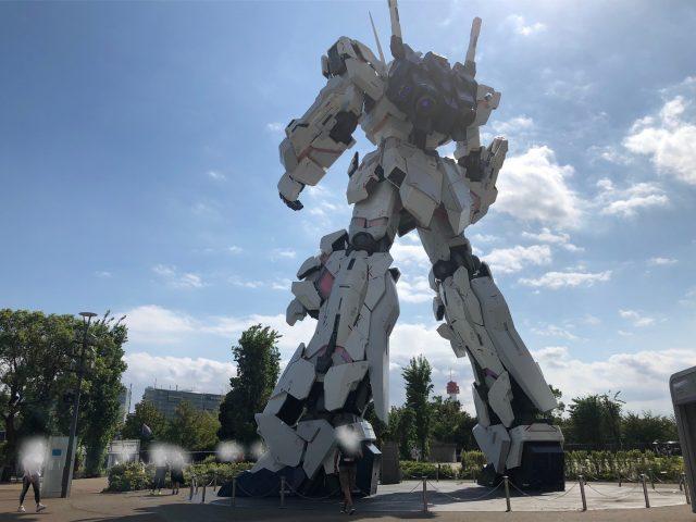 聳立於Festival廣場的「獨角獸鋼彈」等身塑像(2F)